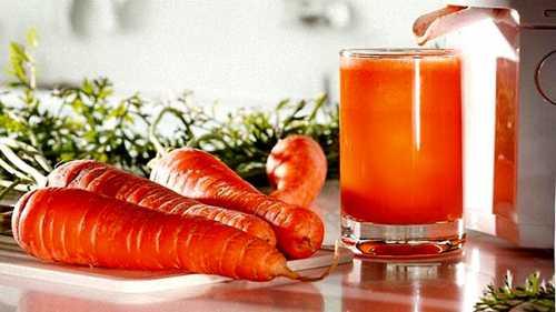 морковный сок: польза и вред для организма человека